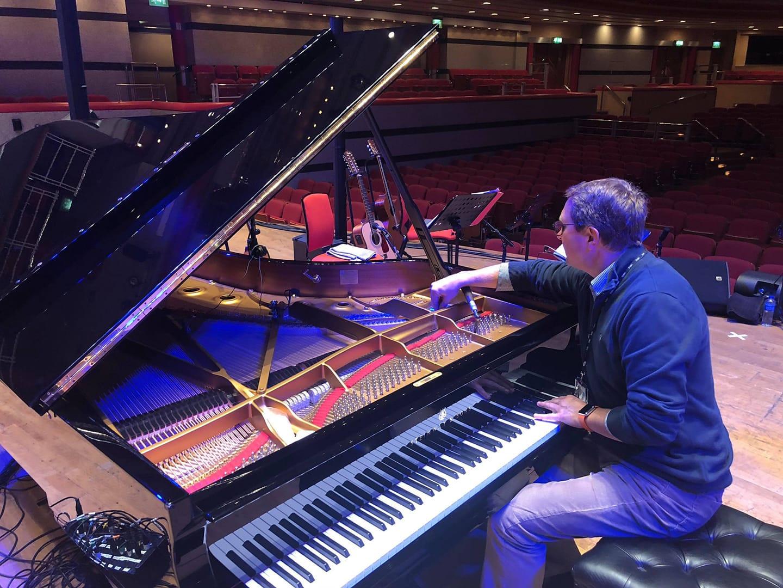 Piano Expert - Piano Tuning Birmingham.j