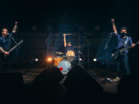 São Luiz celebra o Dia do Rock com show virtual da banda Mad Monkees e live sobre a cena do Rock