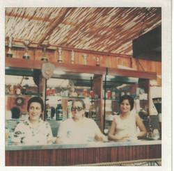 Luisa con le nuore Vittoria e Maria.