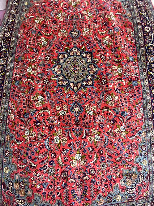 Hariz hand knotted area rug made in Iran