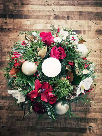 RUBY RED HOLIDAY CENTREPIECE   (ROUND)