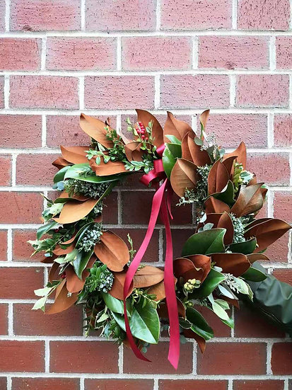 CLASSIC REAL TOUCH MAGNOLIA WREATH