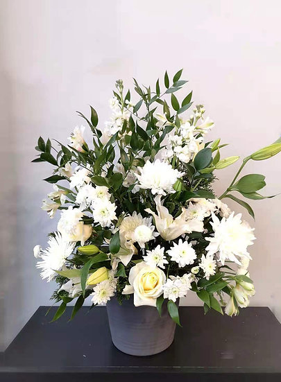 PEACEFUL WHITE TRIBUTE BASKET