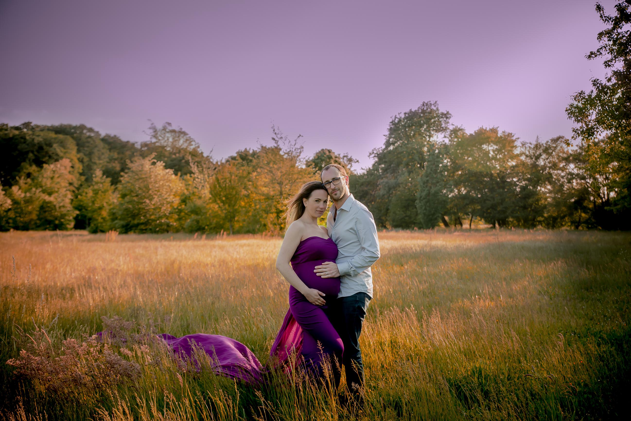 robe violette au coucher de soleil