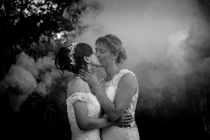 mariage langeais gay fumigènes