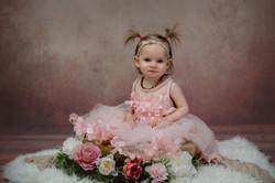 Bébé fille avec des couettes