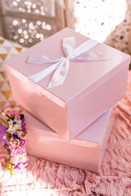 קופסת מתנה ורודה