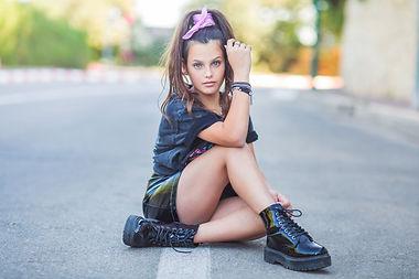 תמונה של נערה