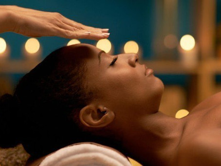 WHAT IS A REIKI SESSION LIKE?