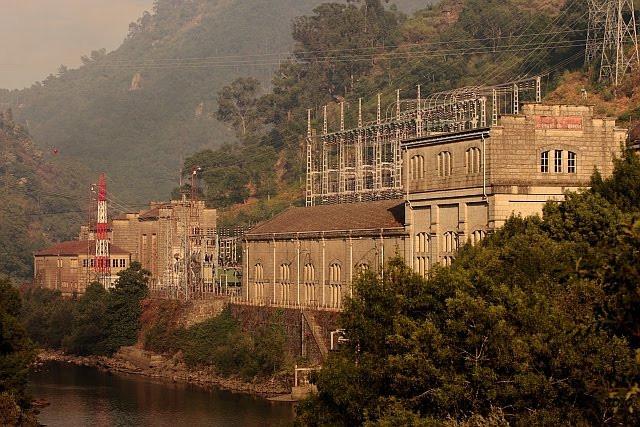 antiga_central_hidroeléctrica_Lindoso.jp
