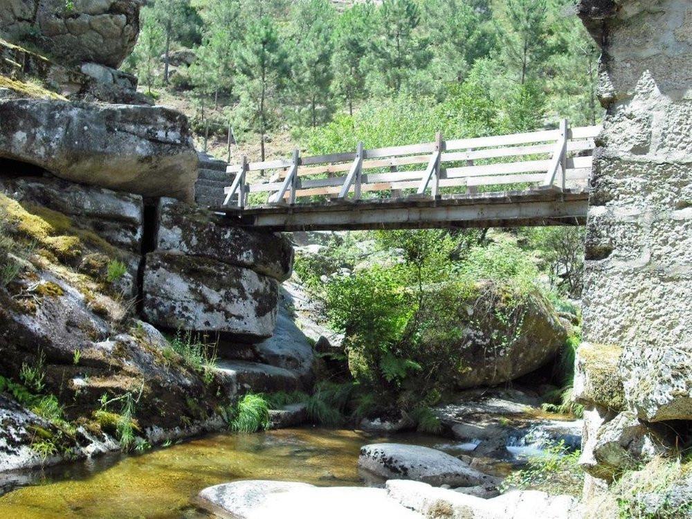 pt-ponte-moinho-cascata-poco-gola-trilho