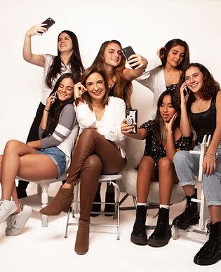 ADOLESCENTES CON ANA 1.jpg