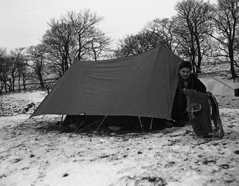 Barry Saxton with fly-sheeted Blacks Mountain Tent and Bergan Rucksack, White-Lea Farm, near Gautries Hole, Perryfoot, Castleton.