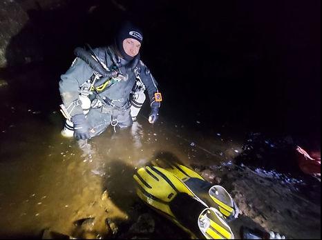 Jim Warny diving Cats Hole