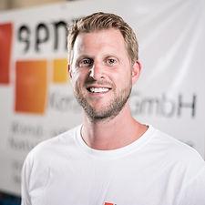 Eric Senn, Geschäftsführer und Plattenlegermeister