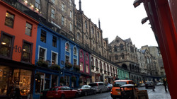 BeautifulStreetInEdinburgh