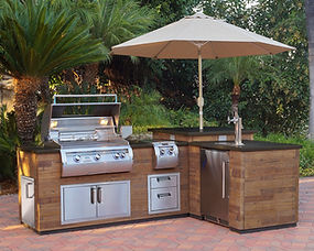 Fire Magic Outdoor Kitchen with Echelon