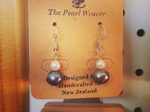 Beautiful Little Pearl Earrings
