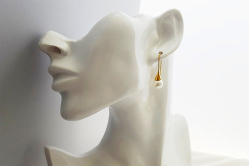 Stunning White Pearl Earrings in Gold