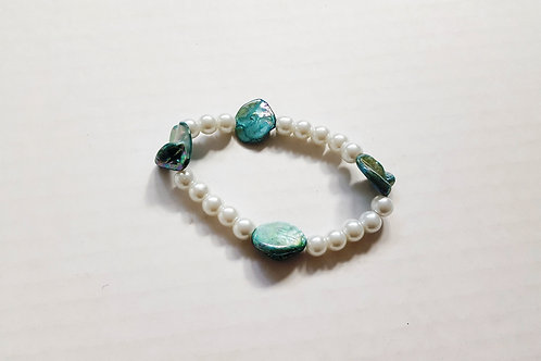 Beautiful Pearl & Pacific Shell Bracelet