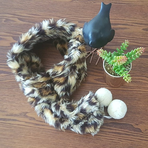 Fully adjustable faux fur snood - Leopard Print