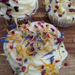 Rustic Dried Flower Cupcakes