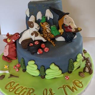 Room On the Broom Cake
