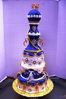 Unique Customized Wedding Cake
