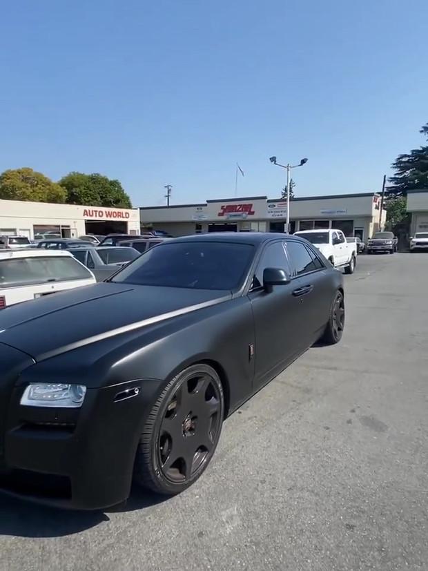 Clean Rolls Royce Ghost