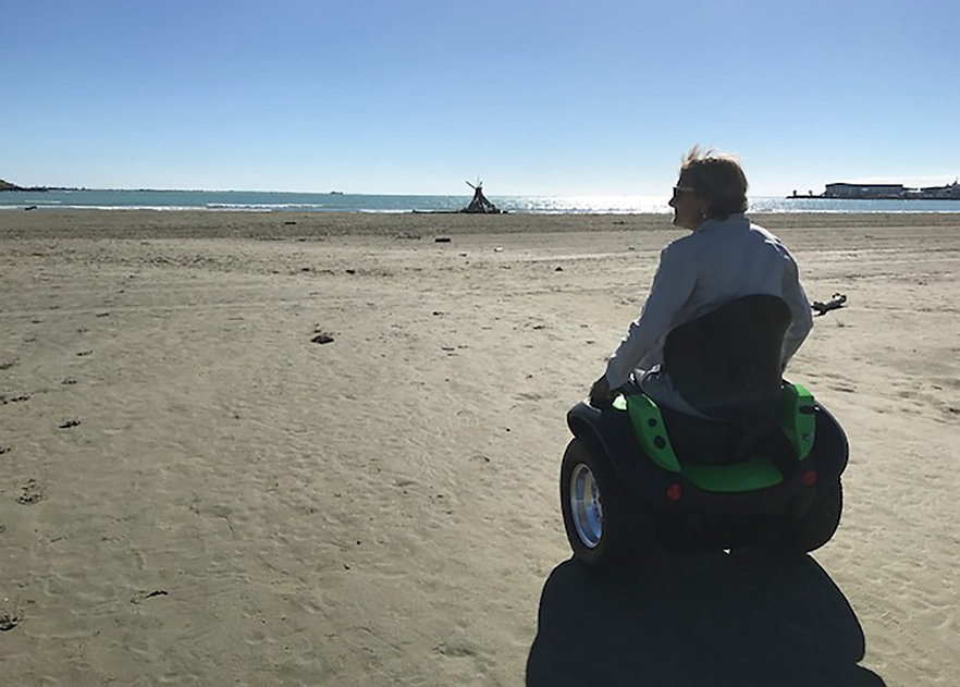 rosemary-on-ogo-at-the-beach-south-islan