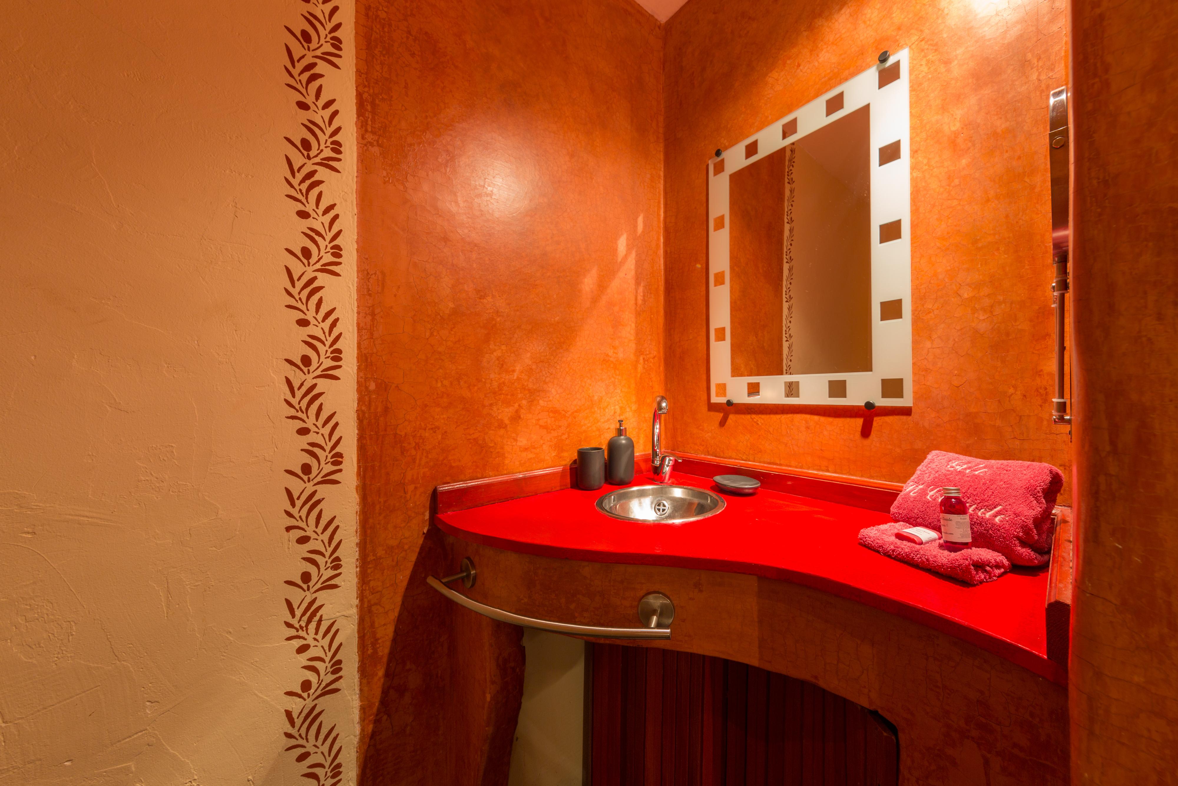 Salle de bain Lie-de-vin