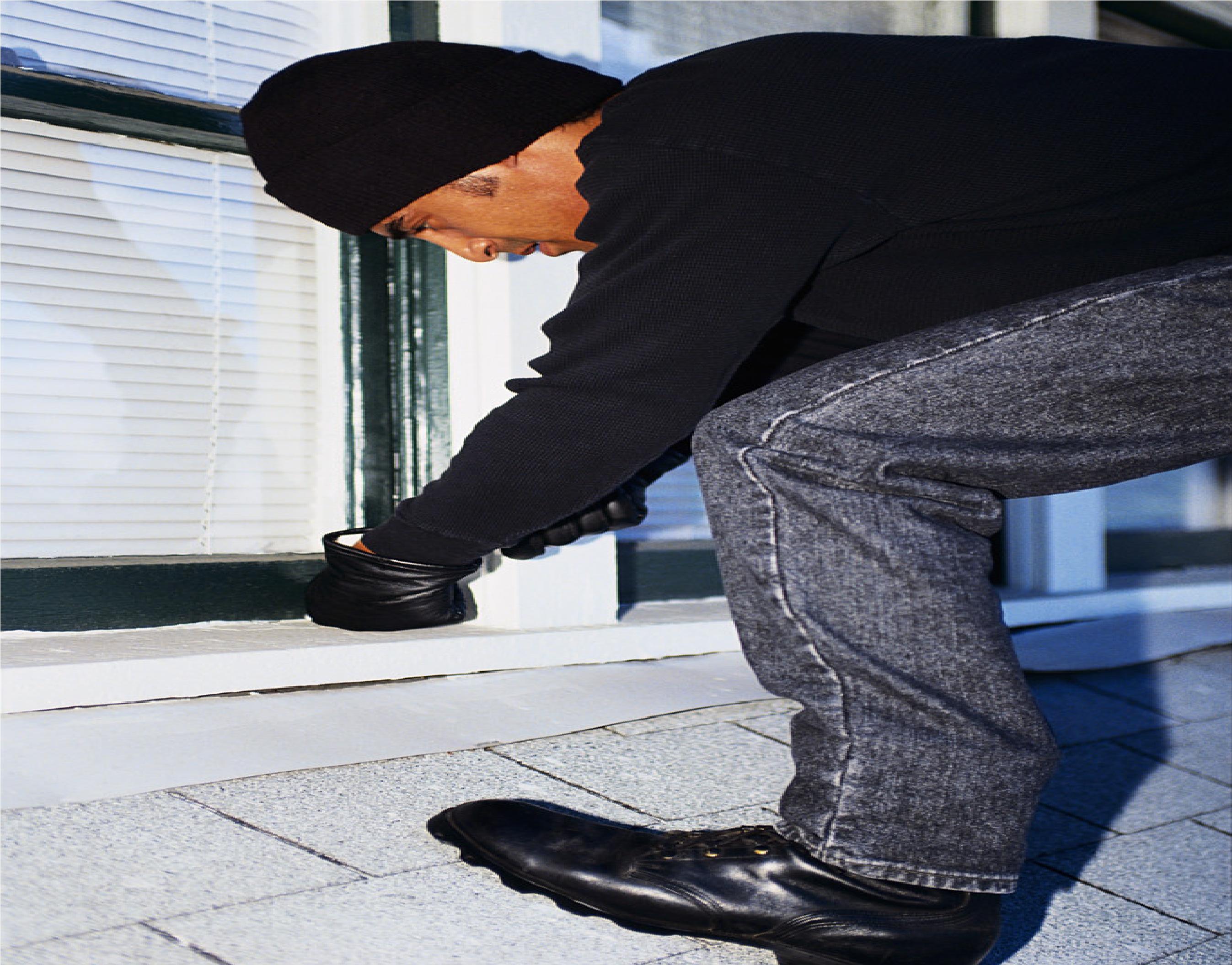 يمنع السرقة من النوافذ