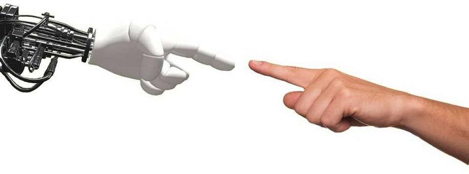 1robot-and-hand.jpg