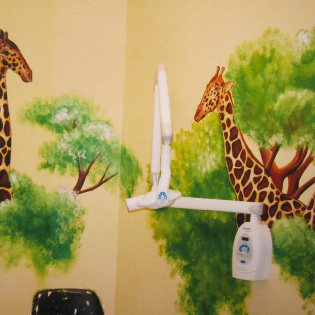 giraffe room.jpg
