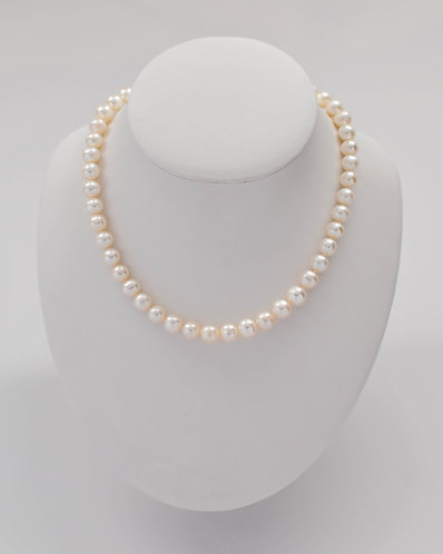 """17"""" White Freshwater Pearl Necklace 9.5-10.0 mm"""