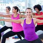 iStock_yoga de la femme.jpg