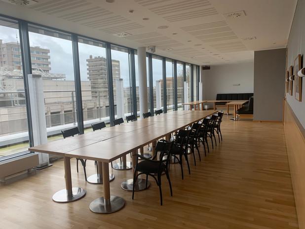 Yoga de l'Energie en entreprise - salle de réunion