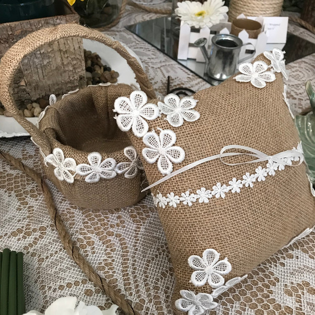 Rustic Burlap & Daisy Basket and  Pillow