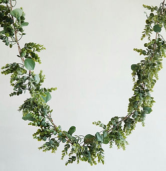 Eucalyptus Boxwood Real Touch Garland 5'