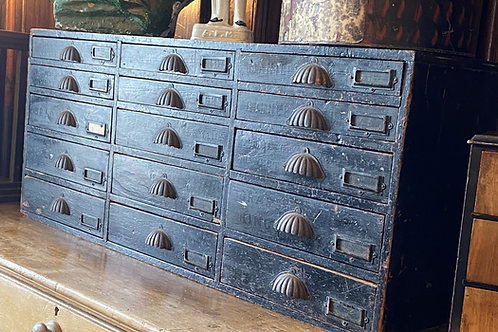Shop counter drawers
