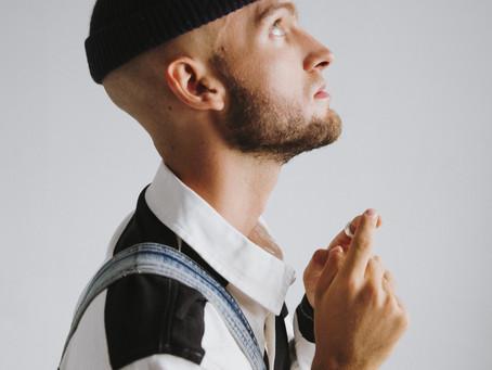 Emerging singer-songwriter Gavin Haley releases his brand new EP Unfolding