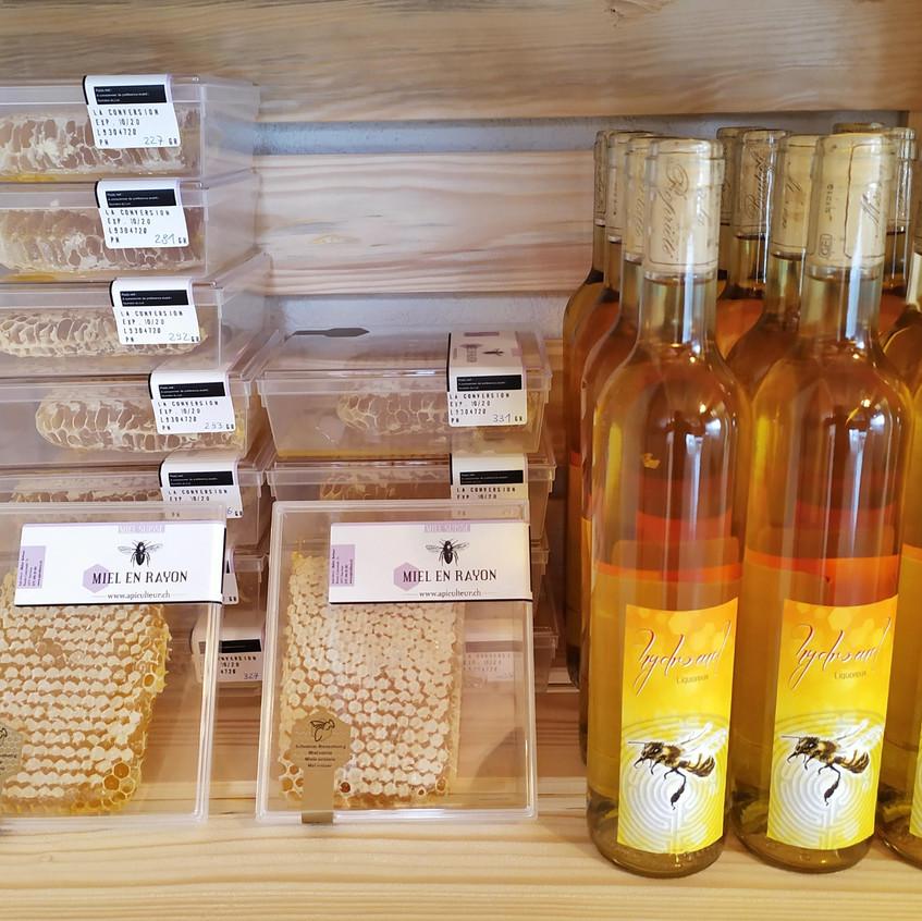 Hydromel et miel en rayon