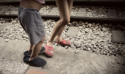 hanoi-järnväg-barnafötter-copy