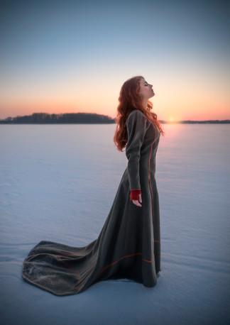 Siobhan på isen Minerva skogsljus versio