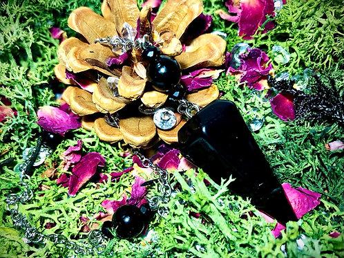 Pendule en agate noire et obsidiennes célestes