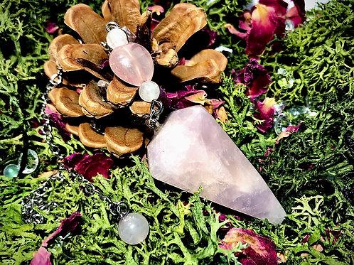 Pendule en quartz rose et pierre de lune