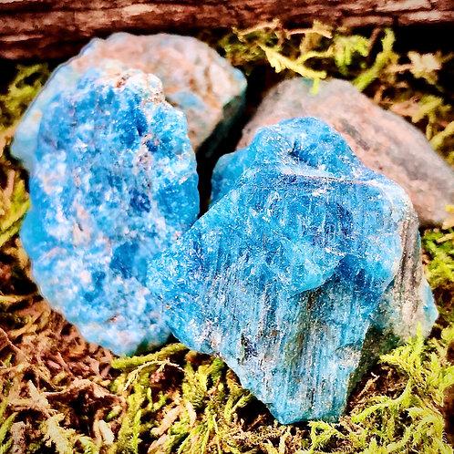 Apatite bleue brute