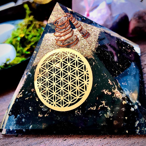 Orgonite fleur de lotus et tourmaline noire