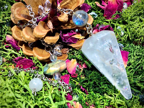 Pendule en cristal de roche et labradorite