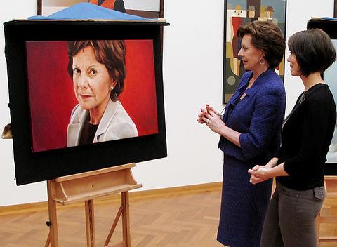 portret sterren op het doek onthulling Neelie Kroes, Debora Makkus